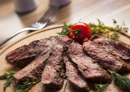 Mediterranean diet with lean beef may lower risk factors for heart disease